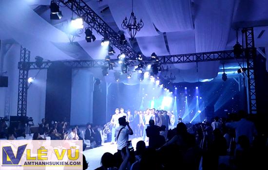 Cung cấp hệ thống âm thanh ánh sáng, màn hình led, sân khấu, mà sao cho tuần lễ thời trang Dấu ấn Doanh nhân - Business Fashion Week 2018
