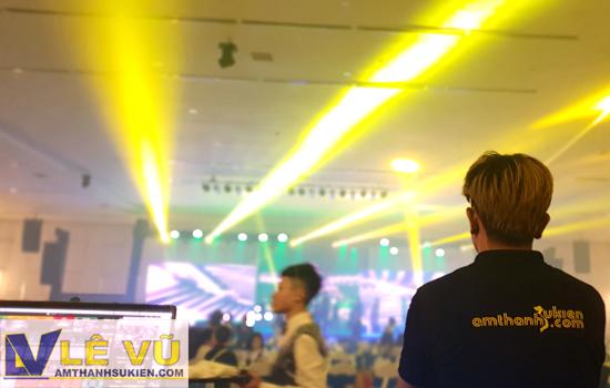 công ty Lê Vũ chuyêncho thuê âm thanh ánh sáng, sân khấu và màn hình led, màn sao, với nhiều năm kinh nghiệm.